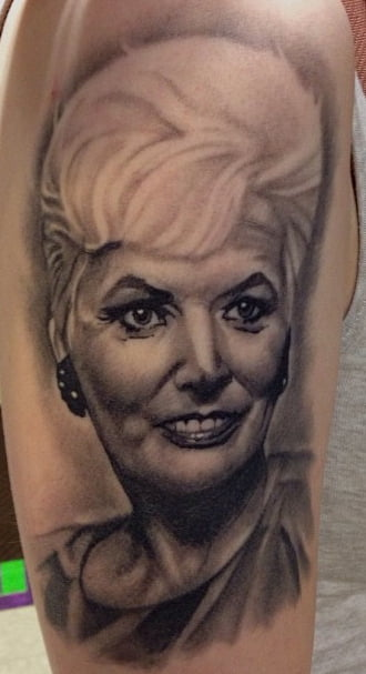 Tatuajes de retratos de mujeres