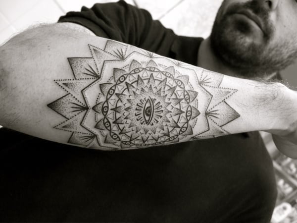 Mandala en el antebrazo