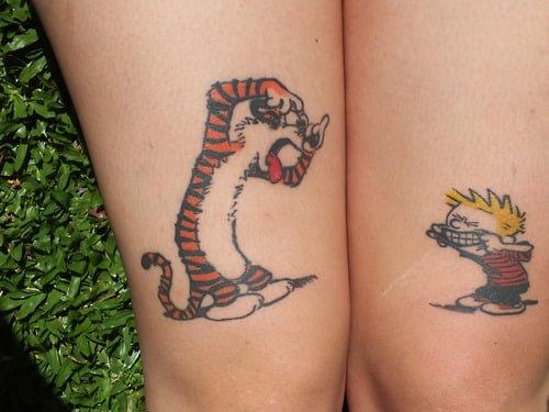 Tatuaje de Calvin y Hobbes