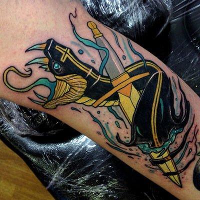 Tatuaje serpiente negra