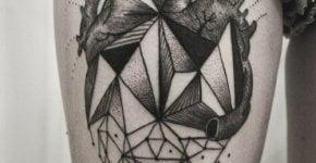 Tatuaje corazón pierna