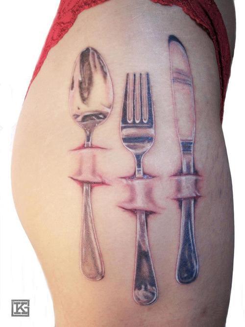 Tatuaje cubiertos