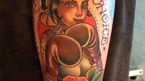 Tatuaje de casco medieval