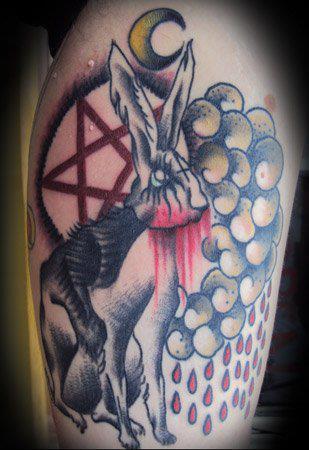 Tatuaje conejo diabólico