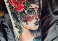 Tatuaje mujer ciervo