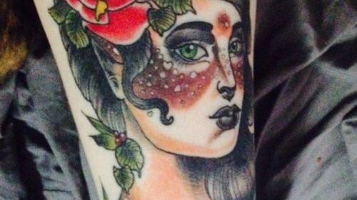 Tatuaje de gato zombie