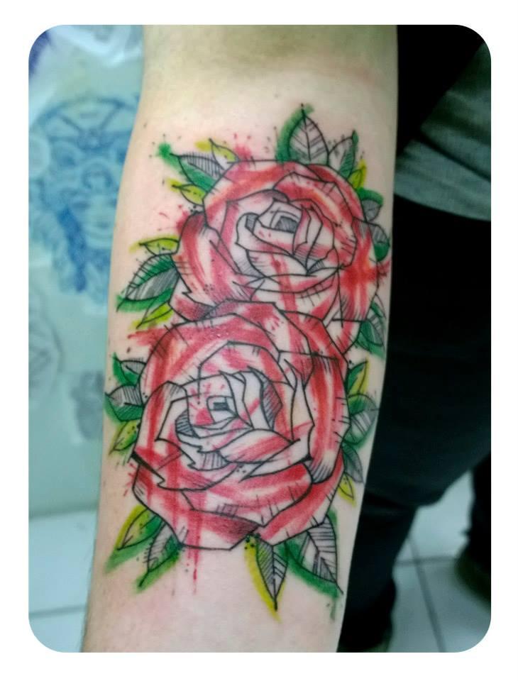 Tatuaje rosas brazo