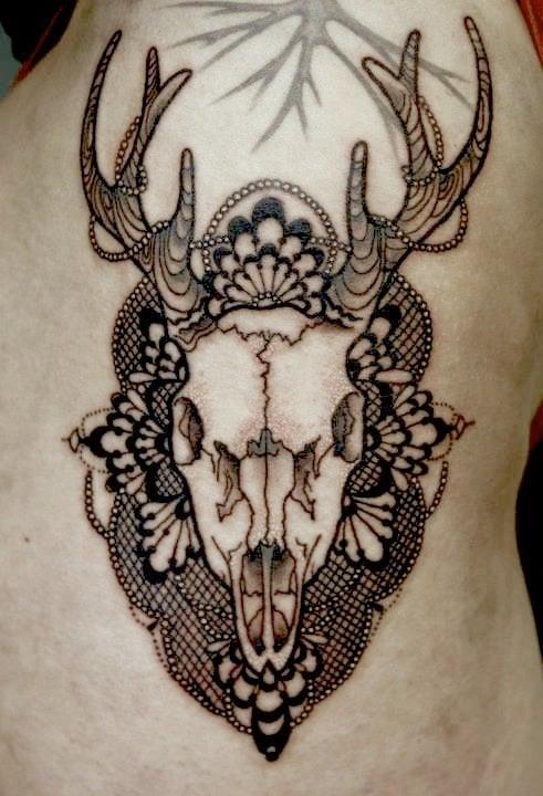 Tatuaje cráneo de ciervo