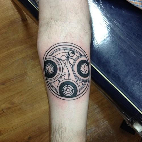 Tatuaje símbolo Doctor Who