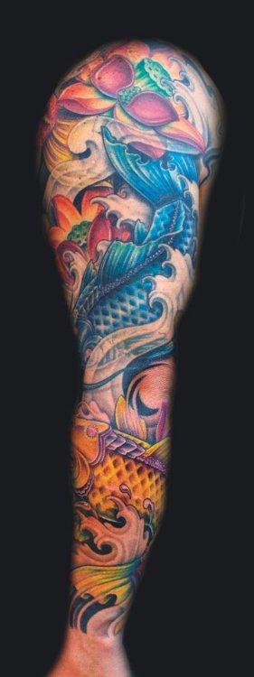 Tatuaje Kois brazo