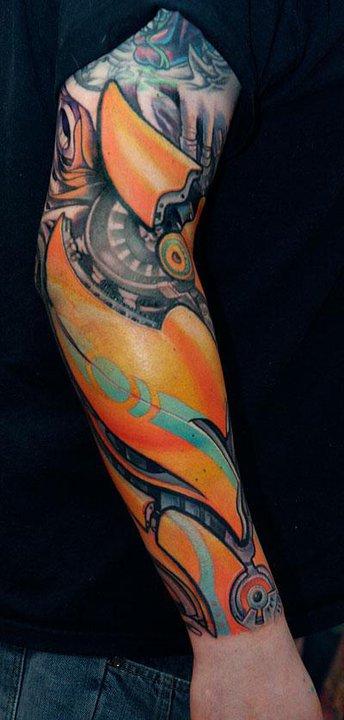 Tatuaje brazo robótico
