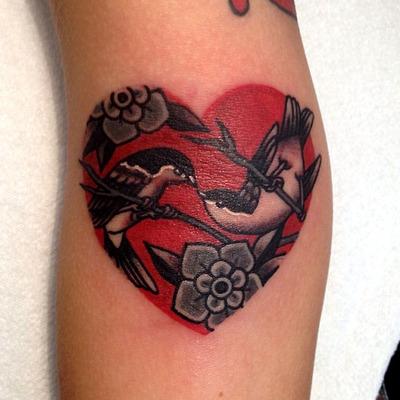Tatuaje pájaros enamorados