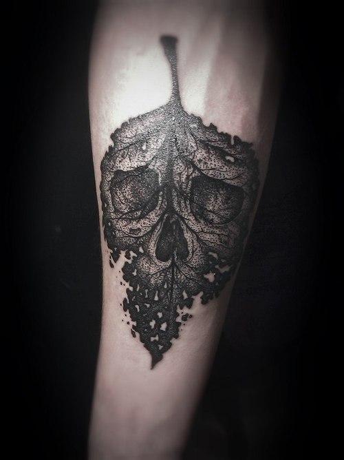Tatuaje hoja otoñal