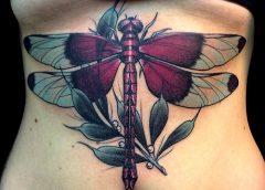 Tatuaje libélula morada