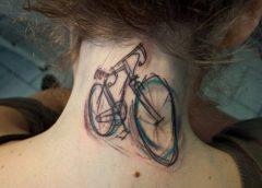 Tatuaje bicicleta cuello