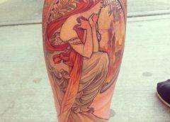 Tatuaje mujer Art Nouveau
