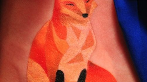 Tatuaje de ciervo azul