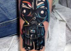 Tatuaje Darth Vader en el brazo