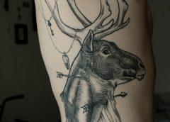 Tatuaje cabeza de alce