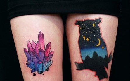 Tatuaje de plumas azules