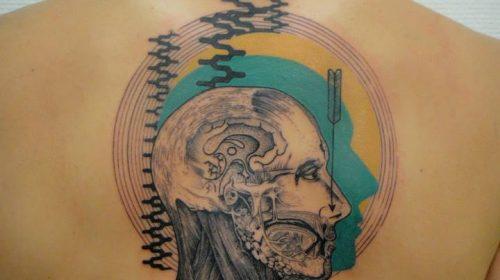 Tatuaje de ciclos lunares