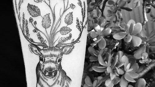 Tatuaje de bosque pequeño
