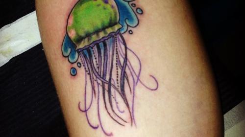 Tatuaje de olas japonesas