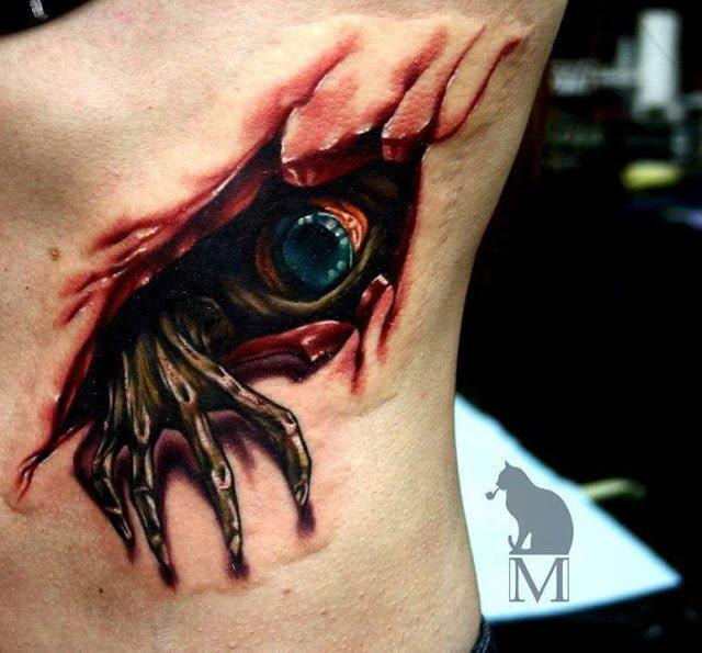 Tatuaje monstruo verde espalda