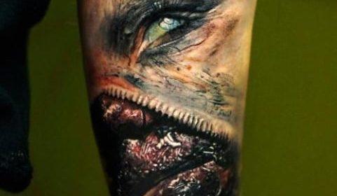 Tatuaje de reloj espectral