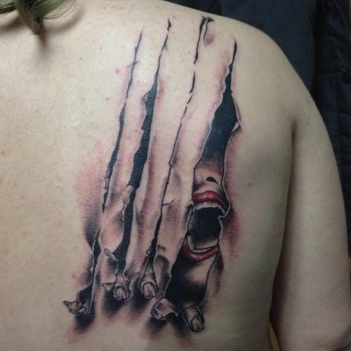 tatuaje mujer atrapada