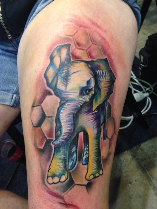 Tatuaje elefante de colores