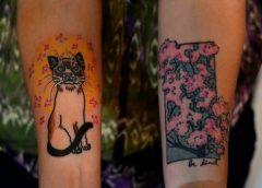 Tatuaje gato y árbol