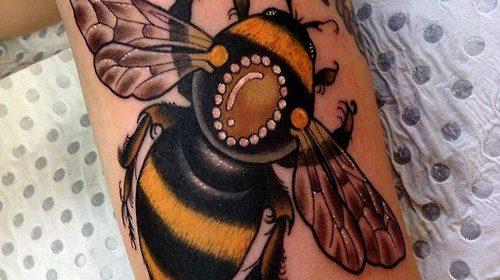 Tatuaje de hipster con texto