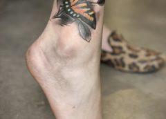 Tatuaje mariposa monarca