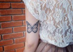 Tatuaje mariposa en el brazo