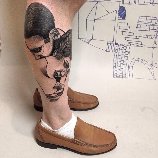 Tatuaje pareja abrazada