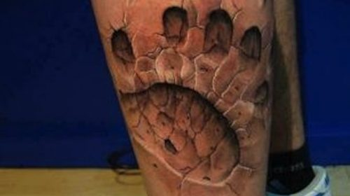 Tatuaje de luna en el brazo