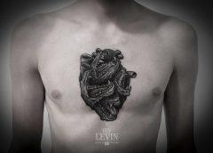 Tatuaje corazón cocodrilos