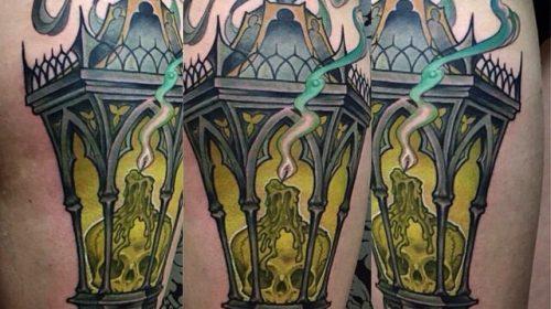Tatuaje de calavera floral