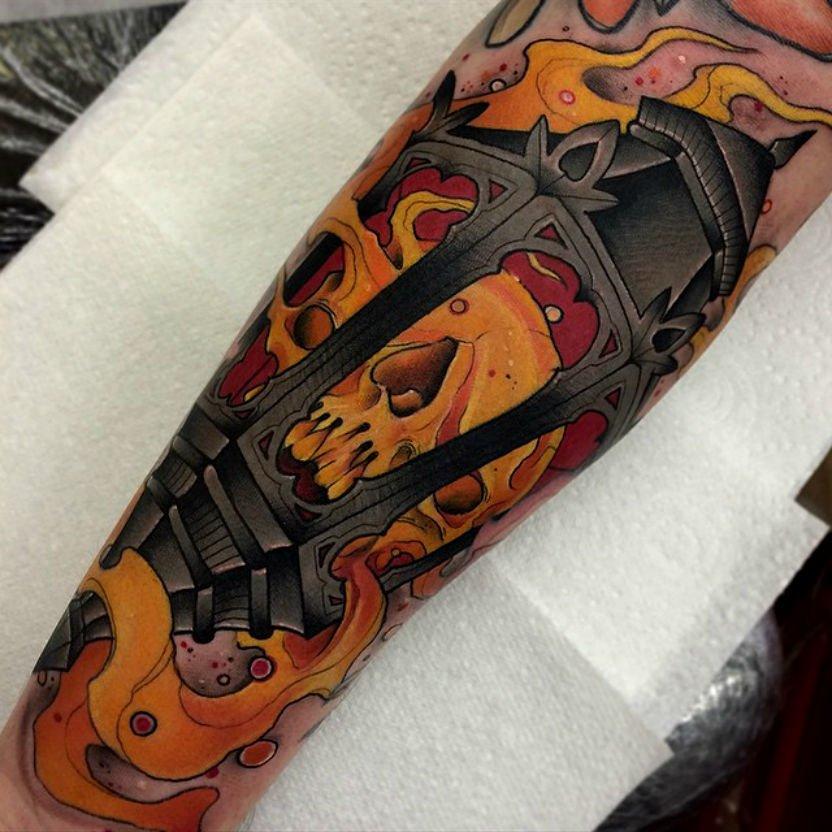 Tatuaje farola de metal