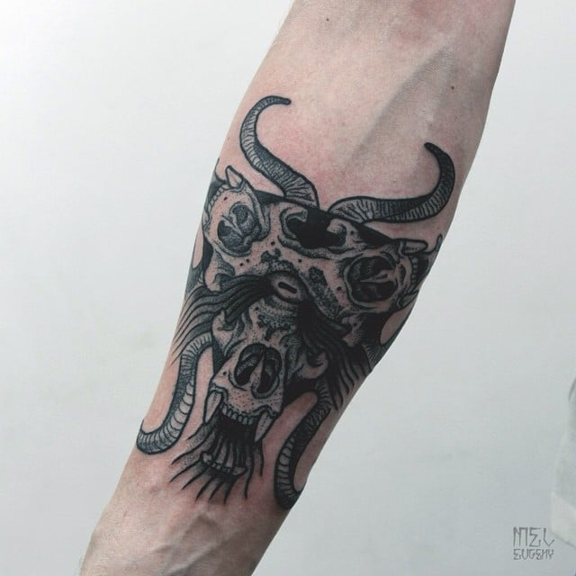 Tatuaje cráneo macho cabrío