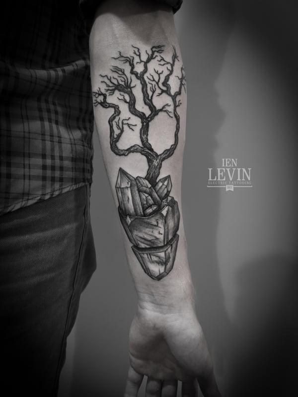 Tatuaje viejo árbol