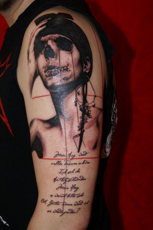 Tatuaje chica esqueleto
