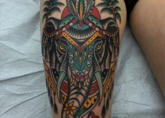 Tatuaje elefante hindú en la pierna