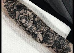 Tatuaje girnalda floral
