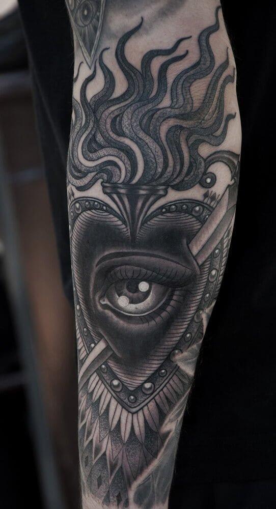 Tatuaje de Sagrado Corazón brazo