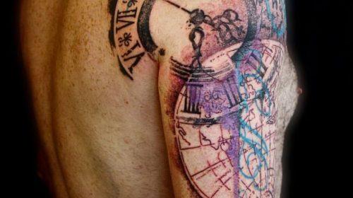 Tatuaje de corazón en el brazo
