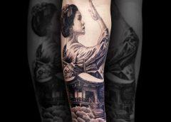 Tatuaje Geisha en el brazo