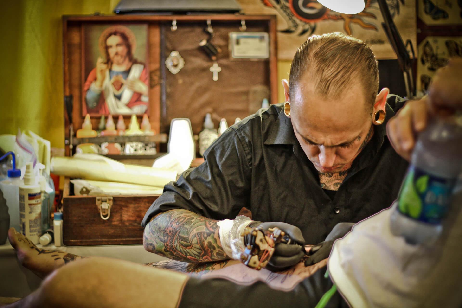 como aprender a tatuar