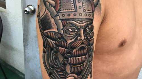 tatuaje vikingo old school
